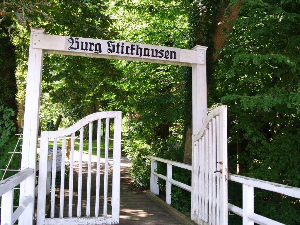 Eingang Burg Stickhausen