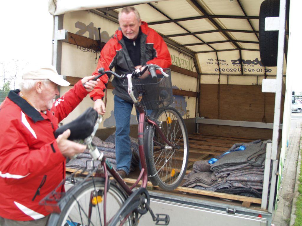 Fahrradtaxi Räder aufladen